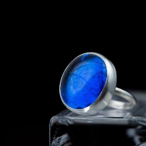 royal sapphire blue pastille ring