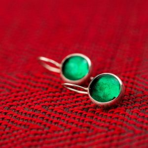emerald green pastilles earrings