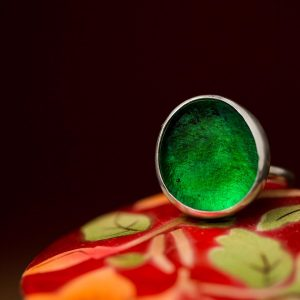 emerald green pastille ring