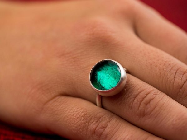 Hand Made Sterling Silver Small Emerald Green Adjustable Pastille Ring