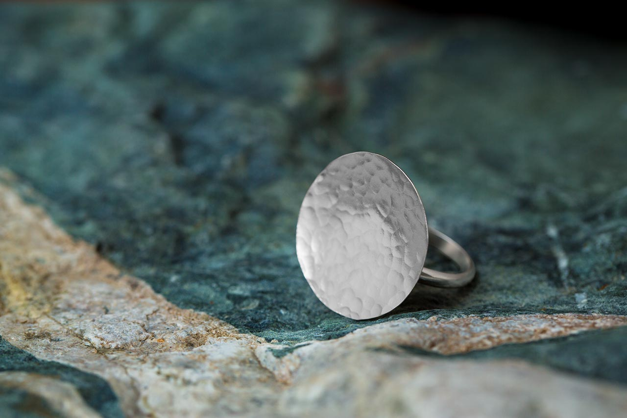 silver Hammered disk ring