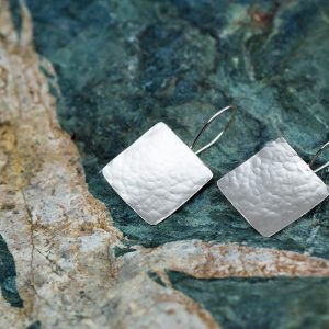 silver hammered square earring